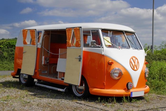 6-Kaefertreffen-in-Luenen-VW-BUS-T1-a21469734[1]