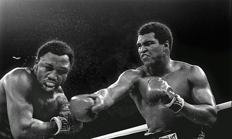 22_ TMuhammad-Ali-right-stuns--009
