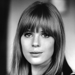 0038_marianne-faithfull60th