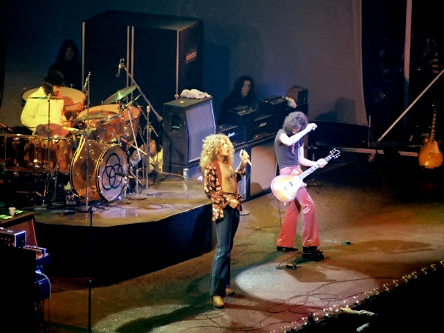 2-LedZeppelinChicago75